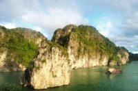 Halong Bay, Vietnam - Rejsecenter Djursland