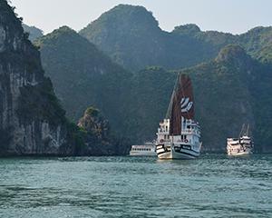 Ha Long Bay med www.rejsecenterdjursland.dk