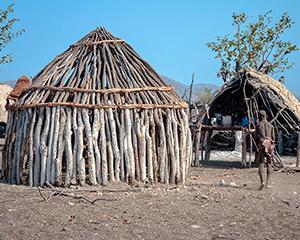 Besøg Himba-stamme - En rejse fra Sydafrika til Zimbabwe - www.rejsecenterdjursland.dk
