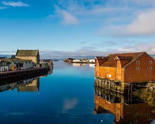 Lofoten med Hurtigruten - www.rejsecenterdjursland.dk